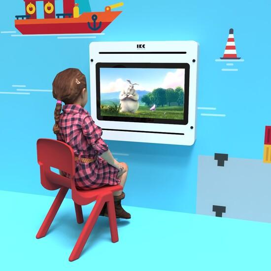 Op deze afbeelding staat een kinderstoel   IKC kindermeubels